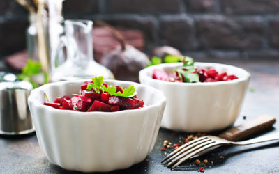Green salad with beetroot