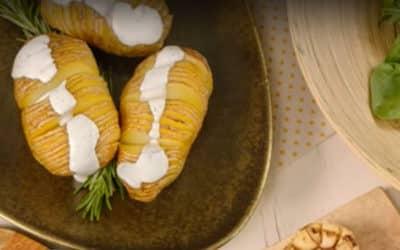 Картофи на гребен със сос Градински треви